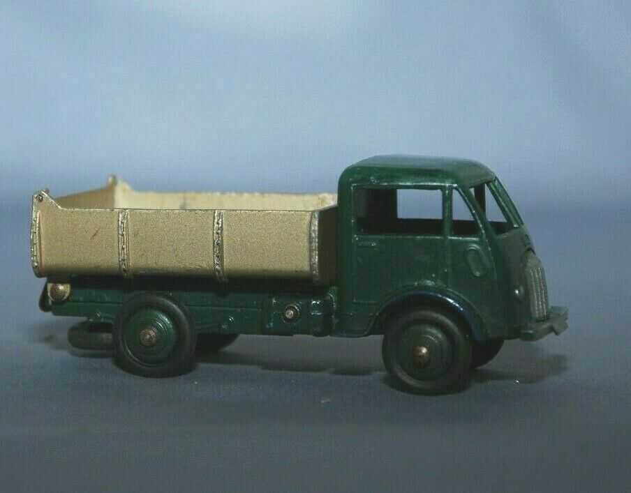 NB DINKY TOYS CAMION BENNE BASCULANTE FORD MECCANO