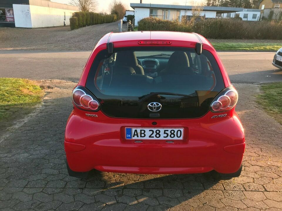Toyota Aygo 1,0 VVT-i T2 Benzin modelår 2012 km 95000 Rød