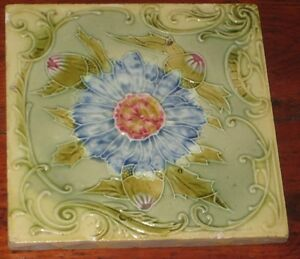 VERY FINE RAISED DECORATION ENGLISH VINTAGE PERIOD TILE FLOWERHEADS LEAVES