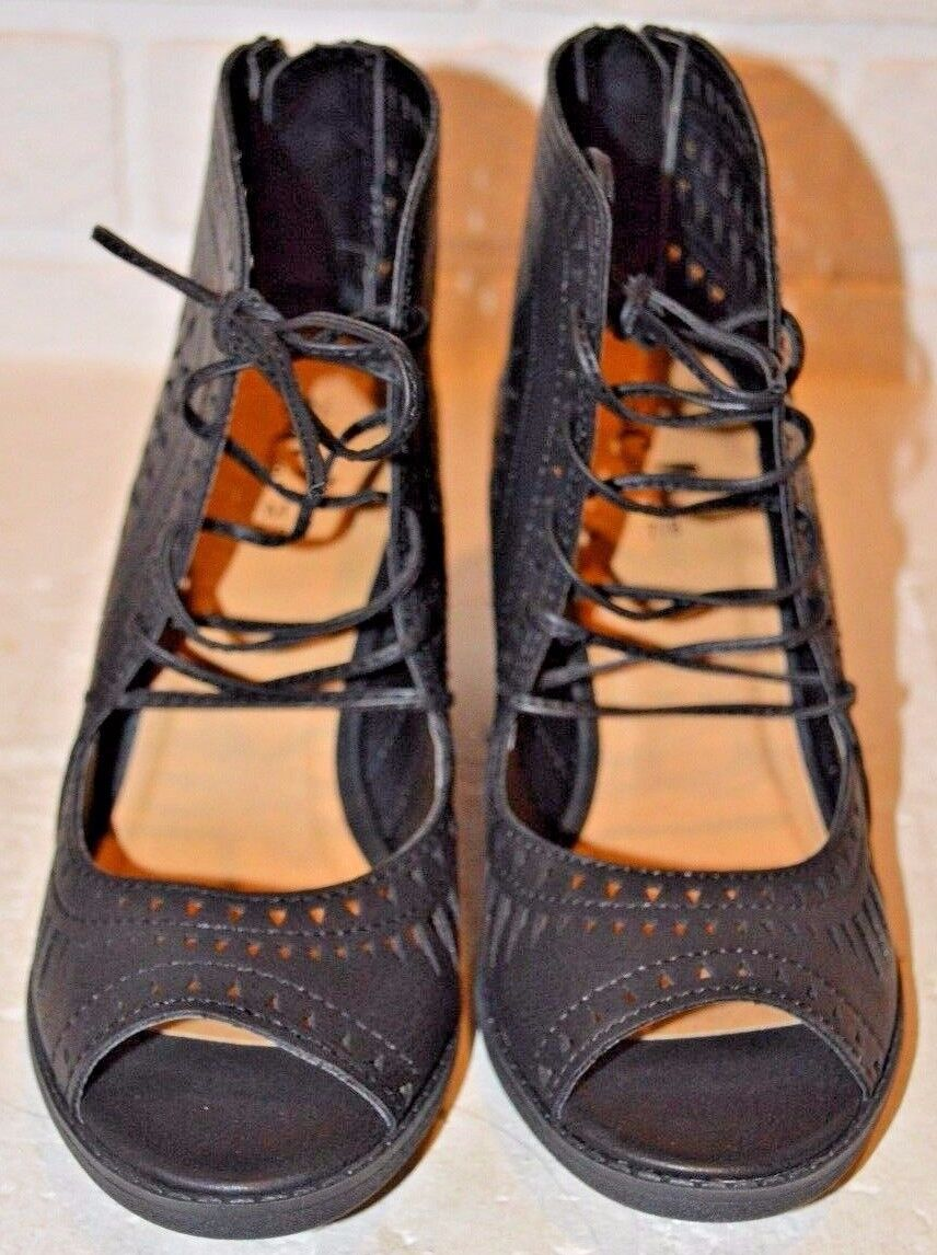 Women's Shoes etc! Black Strappy Open-Toe Shoes Women's Size 7-8 f90e0b