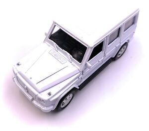 Mercedes-Benz-G-Classe-Maquette-de-Voiture-en-Blanc-Masstab-1-3-4-Licence