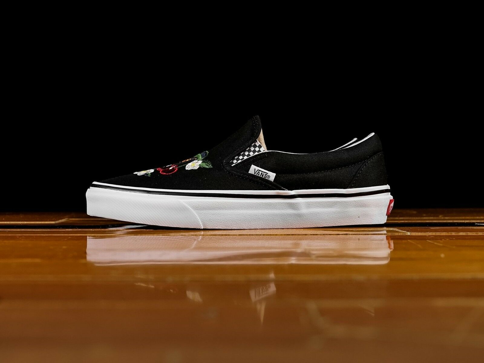 Vans UA UA UA Classic Slip-On Checker Floral nero Uomo scarpe Skate New VN0A38F7I5Z 6c7b68