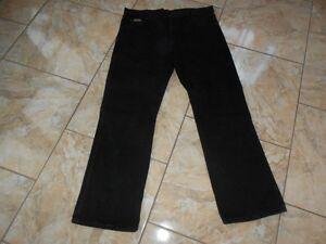 L32 Schwarz Jeans Regular W36 Wrangler Sehr Fit J2379 Gut U5Cqc7OXcW