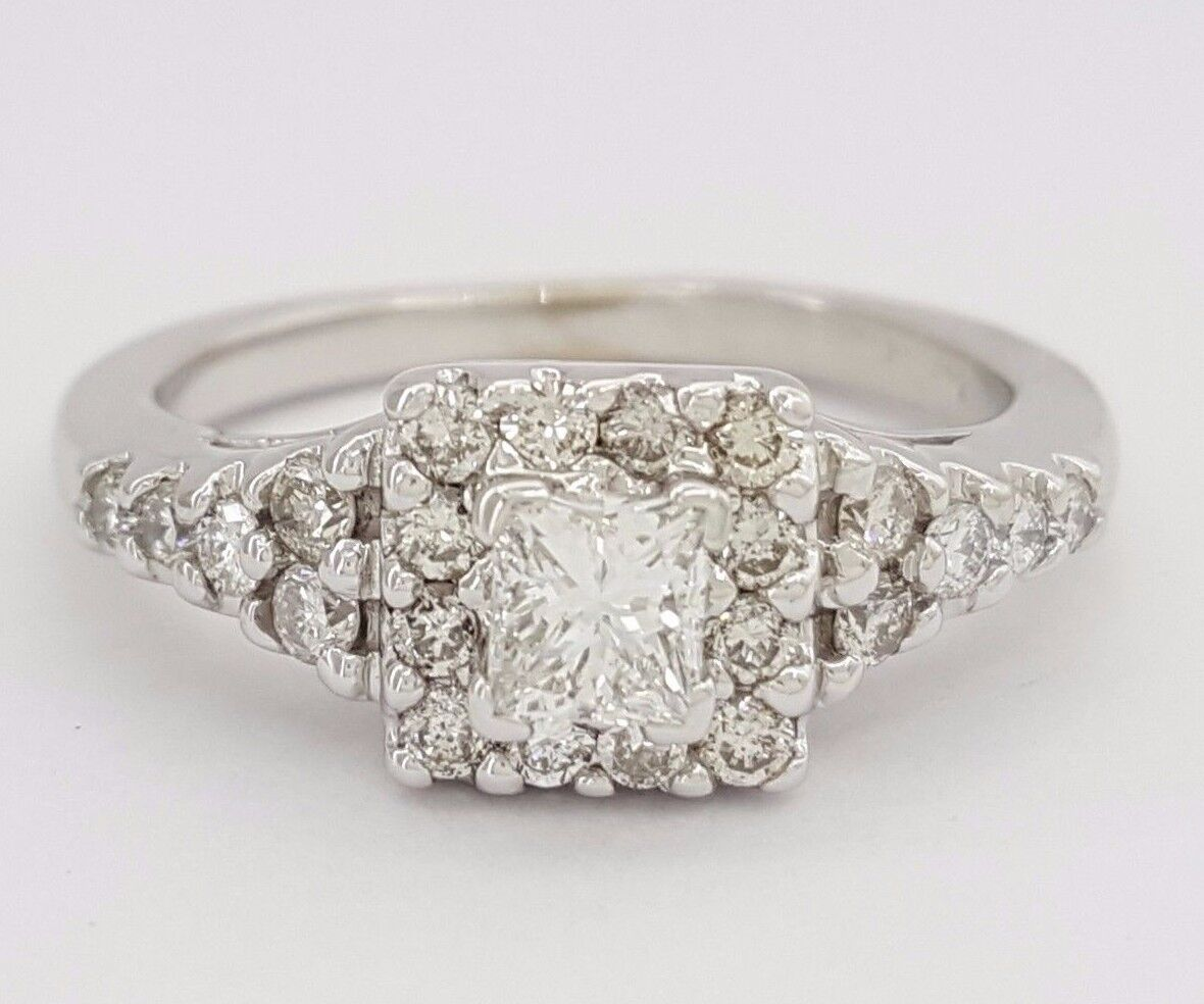 0.75 ct 14K White gold Princess Cut Diamond Halo Engagement Ring