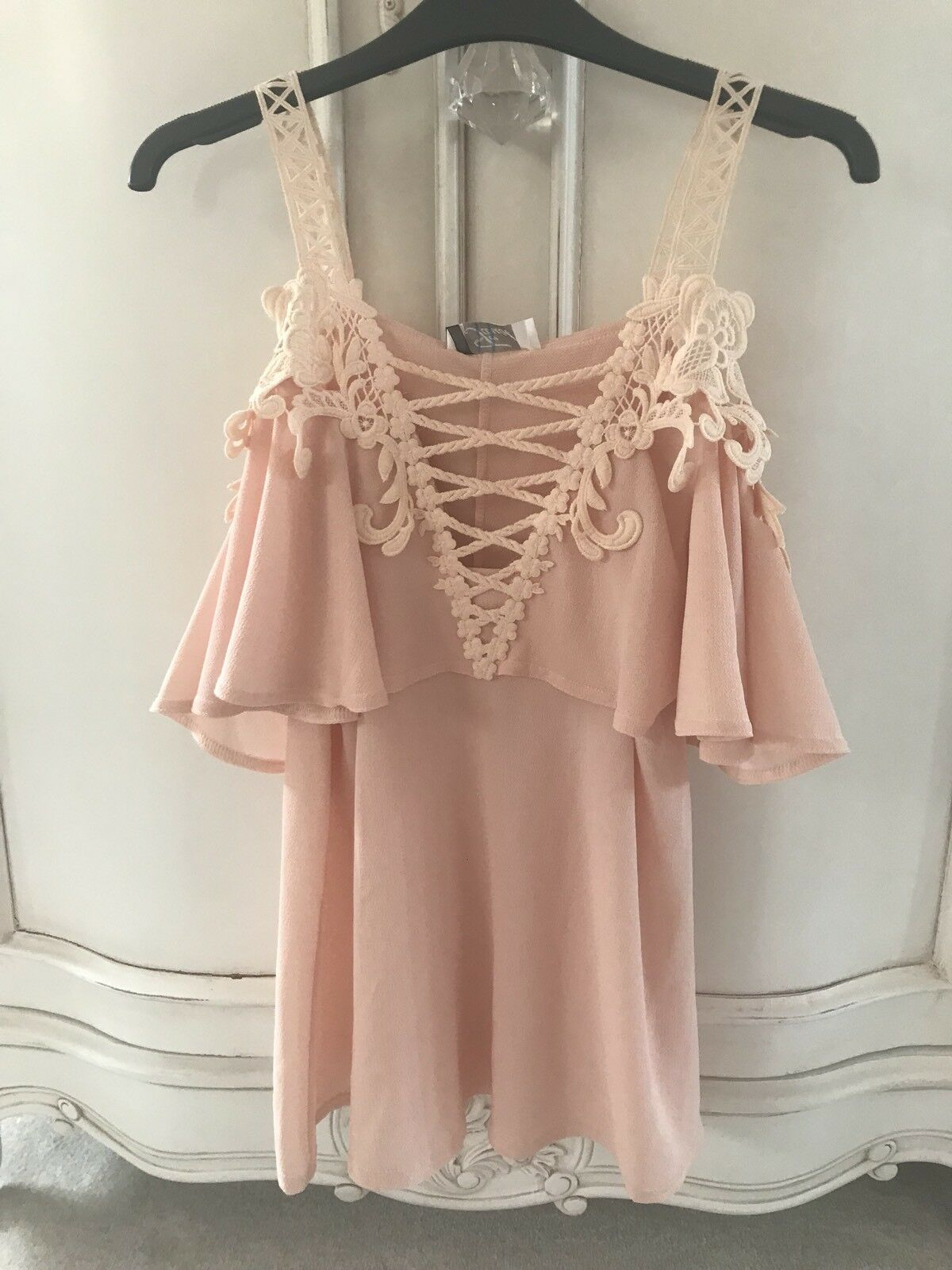 BNWT FAUST LADIES PEACH LACE OFF SHOULDER TOP Größe SMALL