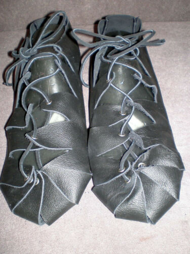 New Handmade Renaissance Men/'s Real Finished Leather Shoes One Size Fits Most