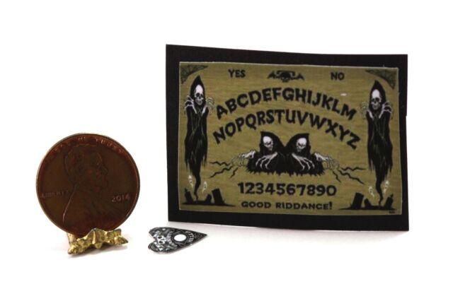 Spirits Ouija Board and Puck ~ TIN1079 Dollhouse Miniature Halloween