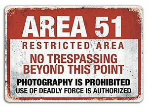 Zone-51-metal-mural-signe-plaque-art-fun-chambre-MANCAVE-entree-interdite-alien