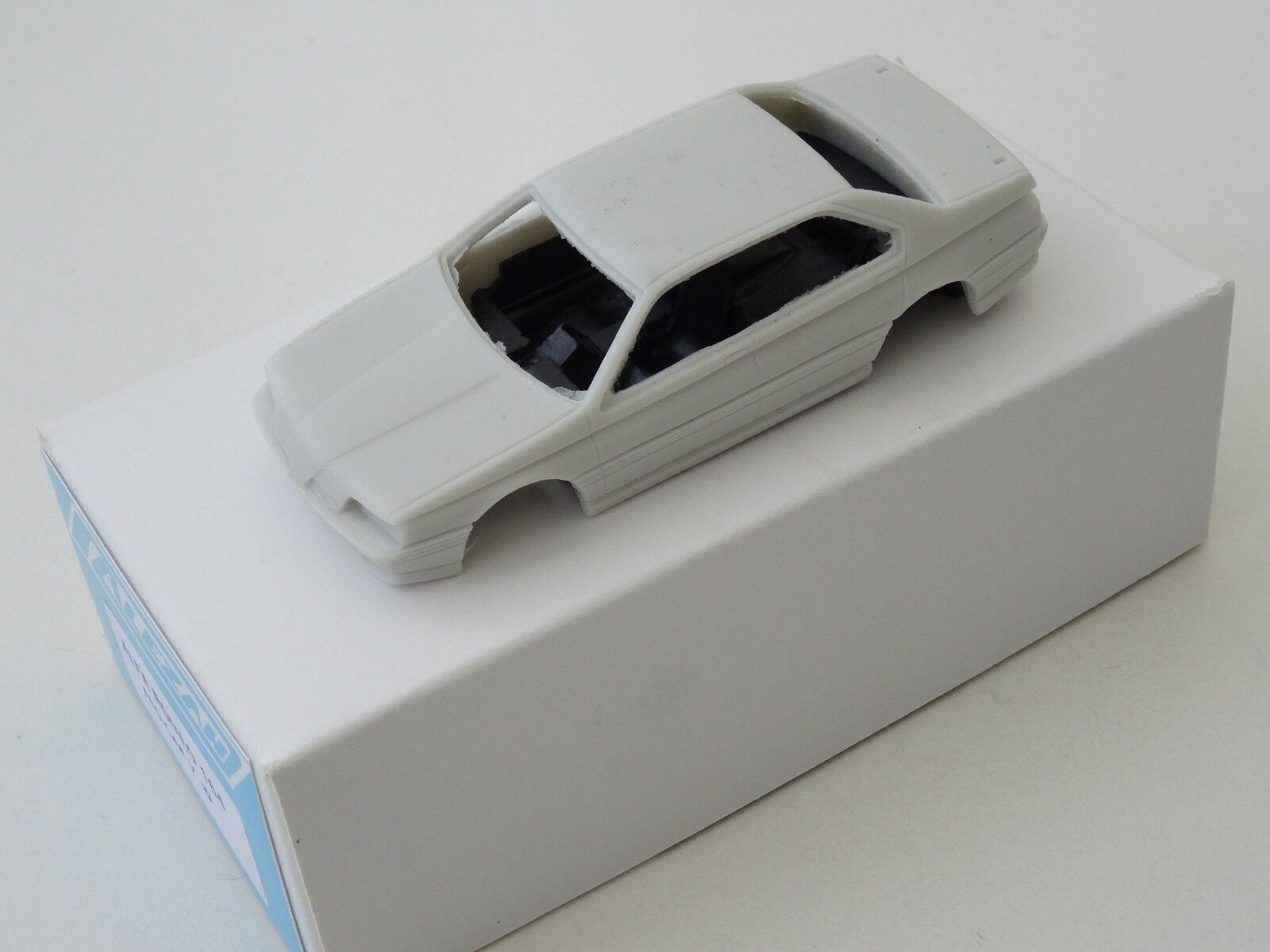 ALEZAN MODELS . ALFA ROMEO 164 V10 . . . PRO CAR . 28a65e