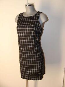 Kleid-in-Schwarz-Weiss-kariert-mit-raffinierter-Rueckenansicht-Gr-L-aus-Baumwolle