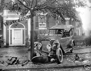Details about Photograph Senator Penrose's Vintage Car Accident Washington  DC 1920 8x10