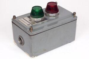 Allen-Bradley-800T-2TZ-Enclosure-includes-1-800T-P16R-amp-1-800T-16G-Pilot-Light