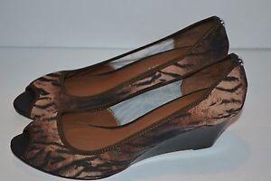 DONALD-J-PLINER-Molly-Animal-Print-Brown-SZ-9-5-M-Peep-Toe-Wedge-Shoes-228-NEW