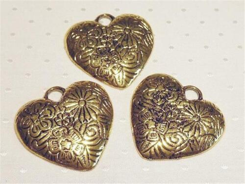 P433.. 33mm Paquete de 6 Colgantes de corazón-chapado en oro envejecido