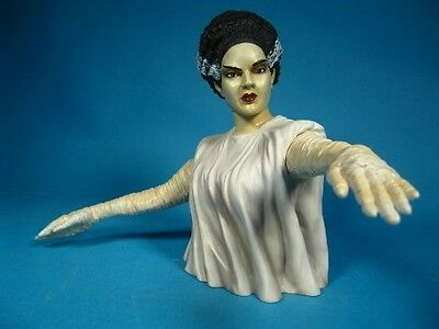 Diamond Select Universal Studios Monsters Bride of Frankenstein bust piggy bank