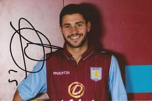 ASTON VILLA CARLES GIL SIGNED 6x4 PORTRAIT PHOTOCOA -  SHROPSHIRE, United Kingdom - ASTON VILLA CARLES GIL SIGNED 6x4 PORTRAIT PHOTOCOA -  SHROPSHIRE, United Kingdom