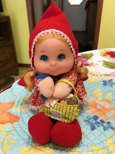 VINTAGE MATTEL BABY BEANS LITTLE RED RIDING HOOD DOLL W Basket