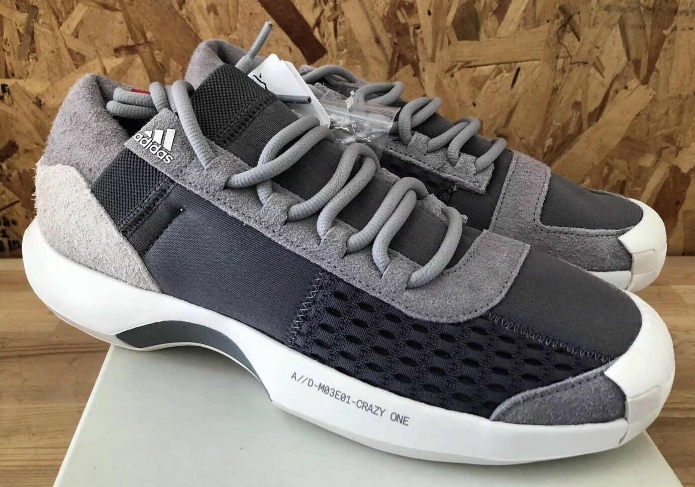 Adidas Crazy 1 A D CQ1868  grigio rosso Sz 11 NIB  presa di fabbrica