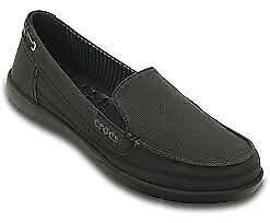 Womens Crocs Standard Fit Walu Canvas