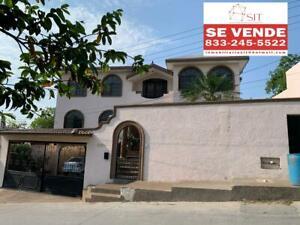 (LLLCV2115) Casa en Venta Col.  Obrera Tampico  Info.   833   :  245   :   5522