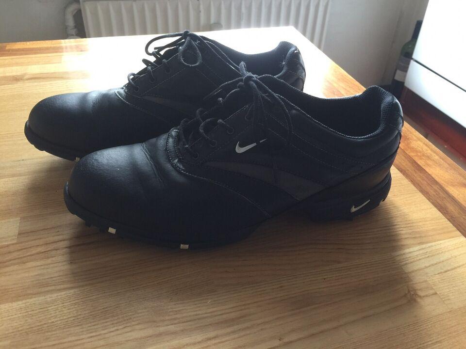 Golfsko, Nike waverly last