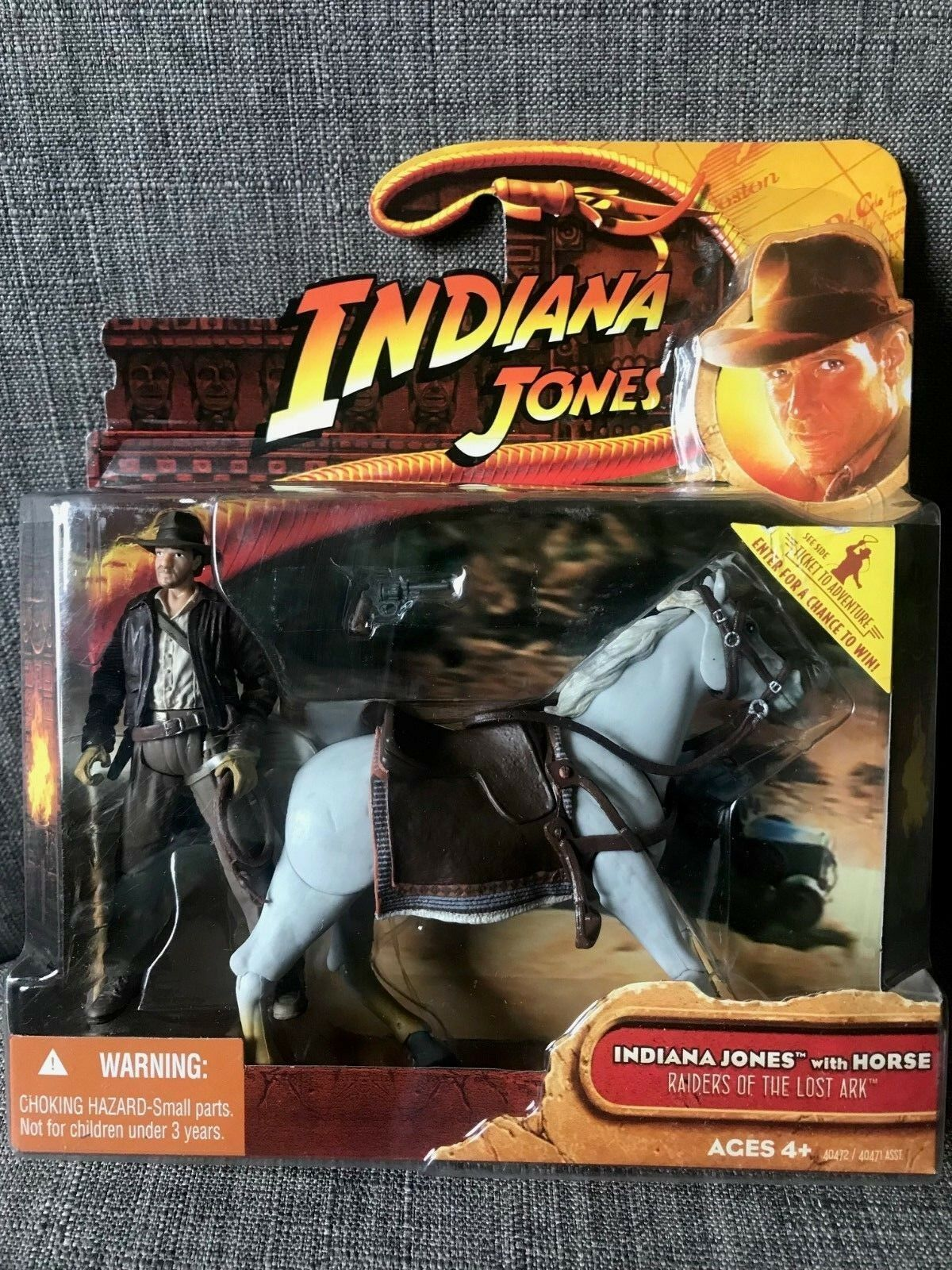 Indiana Jones with Horse Raiders of of of the Lost Ark 2008 New   Sealed Box   e40565