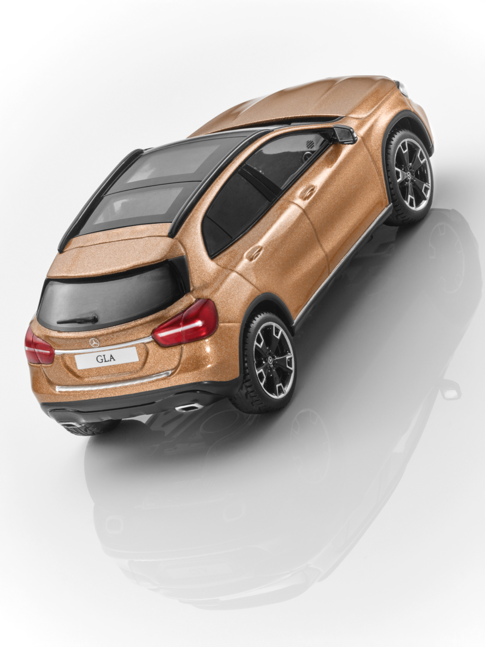 Mercedes Benz X 156 GLA GLA GLA Facelift 2017 marron 1 43 Nouveau neuf dans sa boîte c7daeb