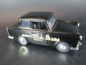 Trabi-Berlin-Modellauto-Brandenburger-Tor-Alex-Siegessaeule-Dom-NEU-1-30