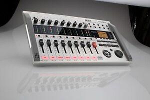 Pro Audio Equipment Zoom R24 Enregistreur Sd/interface/contrôleur