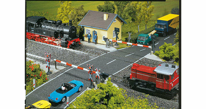 FALLER Protected Level Crossing Model Kit w  Motor III HO Gauge 120171