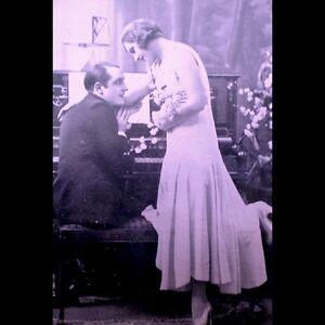 Art-Deco-1920s-Arcade-Exhibit-Card-Antique-French-Lithograph-Paris-Romance-VTG
