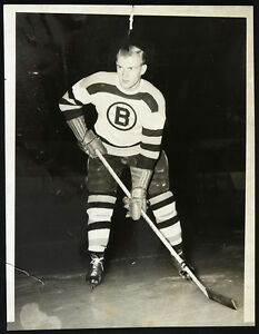 "1951 Dave Creighton, Boston Bruins, Original Photograph Measuring 6.5"" x 8.5"""
