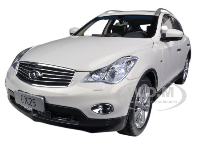 2012 INFINITI EX25 EX 25 WHITE 1 18 DIECAST MODEL CAR BY PAUDI 5507