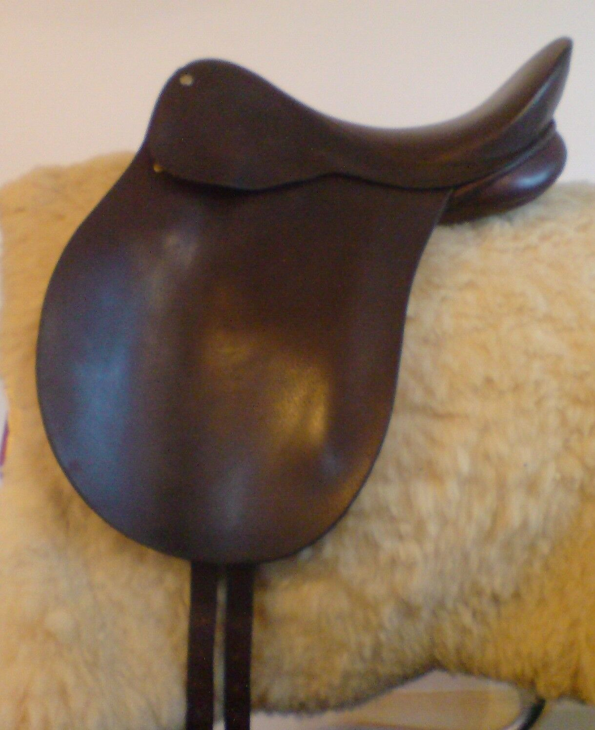 English Leather 16 inch J.A. Barnsby Spring Tree Dressage Saddle, Narrow [118]