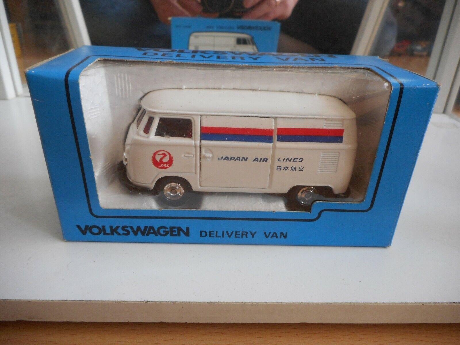 Kado VW Volkswagen Transporter T1  Japan Air Lines  in blanc on 1 43 in Box