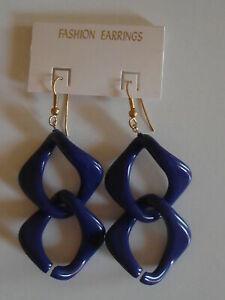 Boucles d'Oreilles Bleue Foncée Forme originale neuves