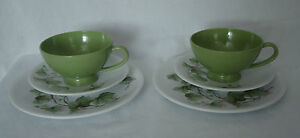 Lovely-Vintage-Ornamin-Ware-Melmac-Cup-Saucer-amp-Side-Plate-Trios-x-2-Green-Ivy