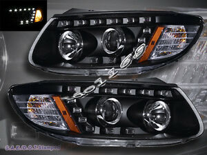 Fit-For-2007-2012-Santa-Fe-Black-R8-Style-LED-Strip-Projector-Headlights-New