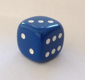 Wuerfel-Cube-Dice-fuer-Bastler-Schmuck-ca-20-mm-Kette-Mode-2-cm-Game-Spiel-blau