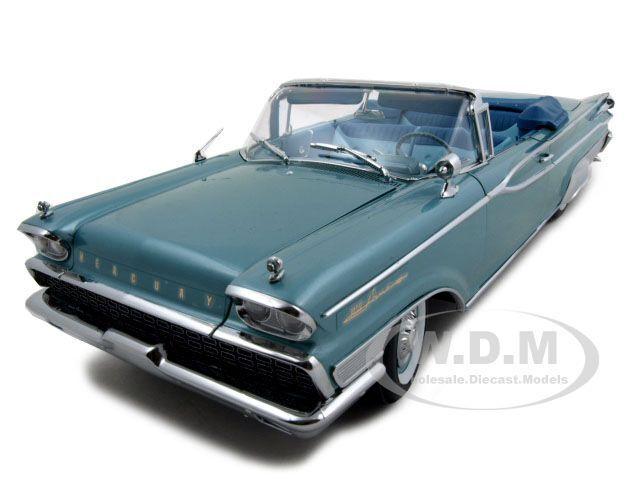 1959 MERCURY PARKLANE CONVT GREEN PLATINUM ED 1 18 MODEL CAR BY SUNSTAR 5151
