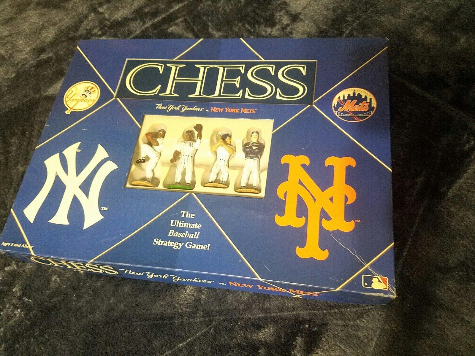 fornire un prodotto di qualità Nuovo York Yankees VS nuovo York York York Mets Chess Set tutti Pieces colection Item  più ordine
