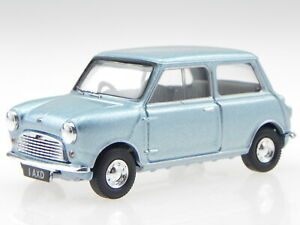 Austin-Mini-7-blue-LordAustins-daughter-diecast-modelcar-1317-Vanguards-1-43