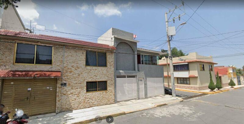 EXCELENTE CASA DE RECUPERACION BANCARIA EN OCHO CEDROS, TOLUCA