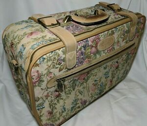 Vintage Needlepoint travel Carrying Case