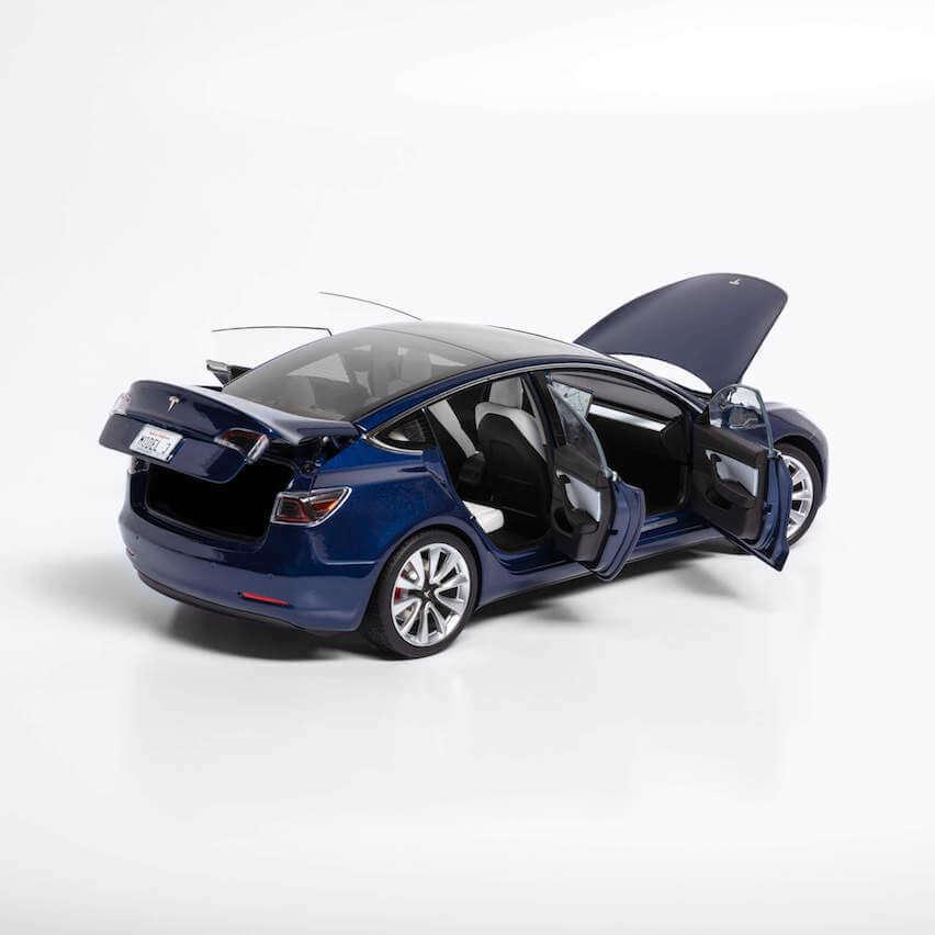 Tesla Model Model Model 3 Diecast 260mm long x113mm wide x 80mm high 9be8fe
