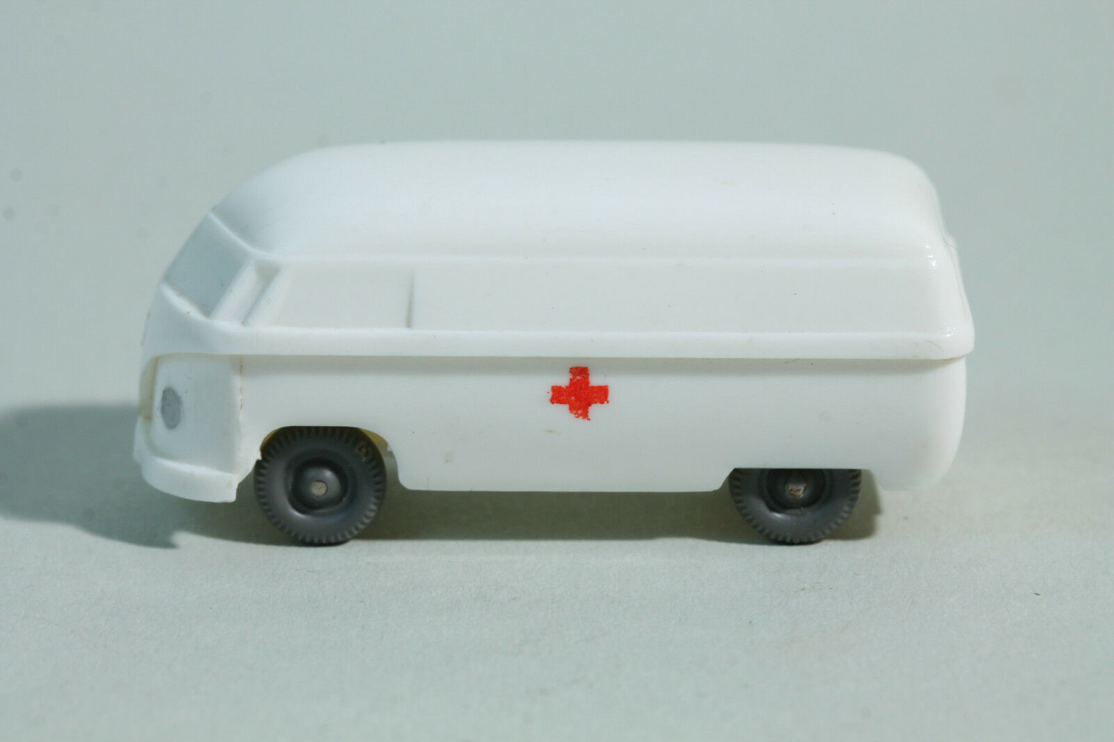 257 Typ 3 Wiking Krankenwagen VW Kasten (Typ 4) 1954 - 1960   weiß    Sorgfältig ausgewählte Materialien