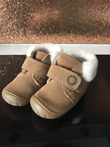 7572dc7dd9e Details about Ugg Jorgen Baby Girl Boots Size 6 Toddler