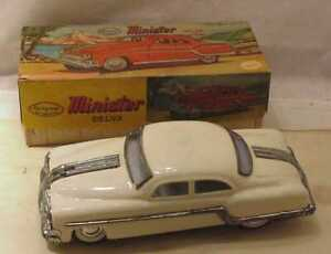 VINTAGE-WHITE-MINISTER-DELUX-FRICTION-TIN-TOY-CAR-WITH-BOX