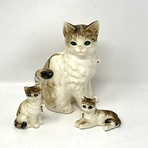 Vintage Ceramic Mother Cat and Kittens Green  Eyes Missing Chain