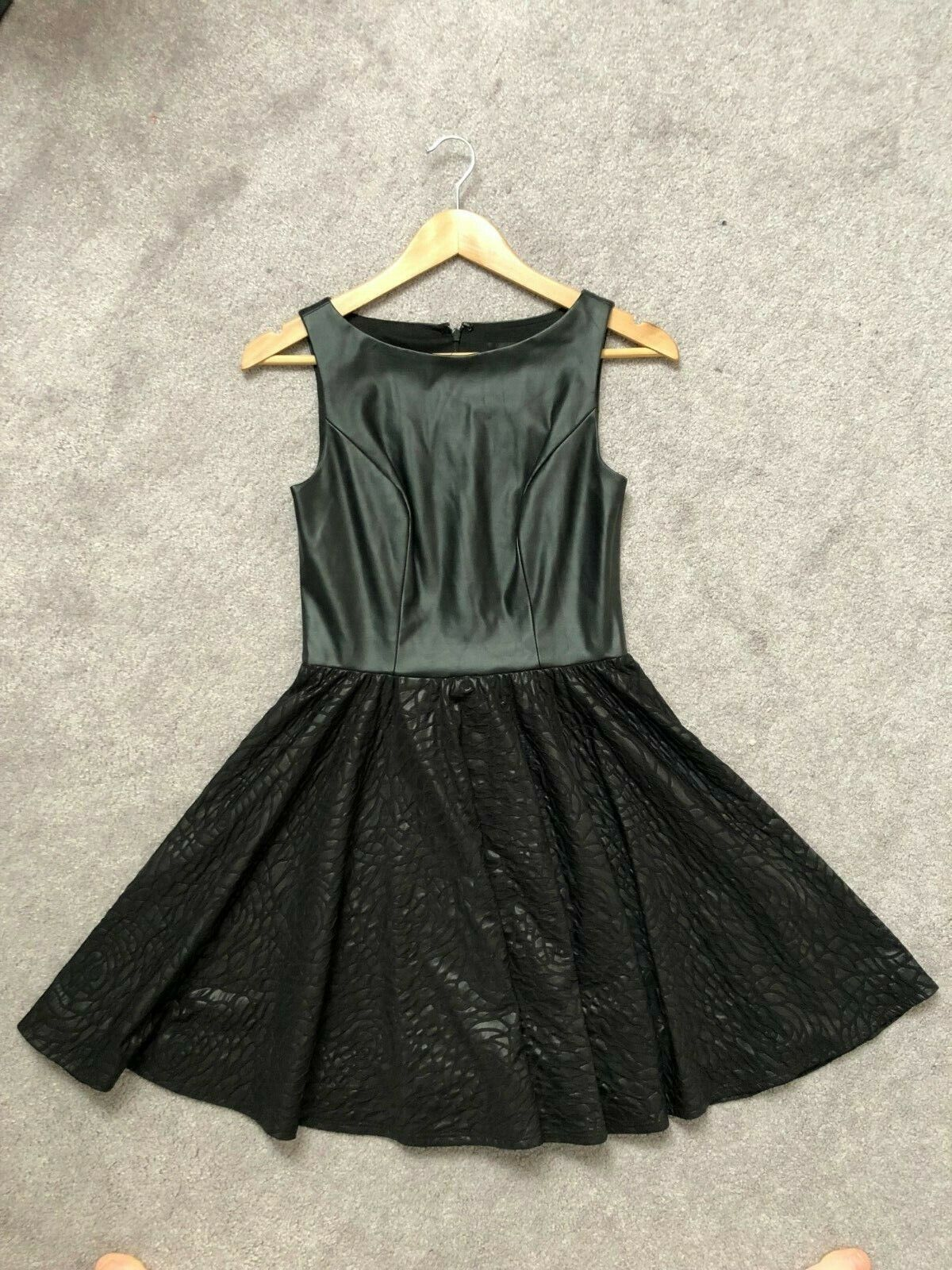 ALEXIA ADMOR Little schwarz Dress Faux Leather A-line Goth Punk Rosa Floral  sz XS